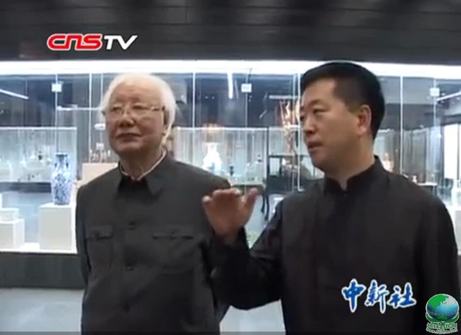 """中国农历九九""""重阳节""""即敬老节日"""