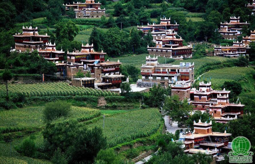 中国最美藏寨-甲居藏寨