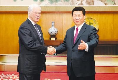 愿与俄方共同发展好两国全面战略协作伙伴关系