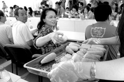 方舟子召集网友试吃转基因玉米 称应让国人可天天吃