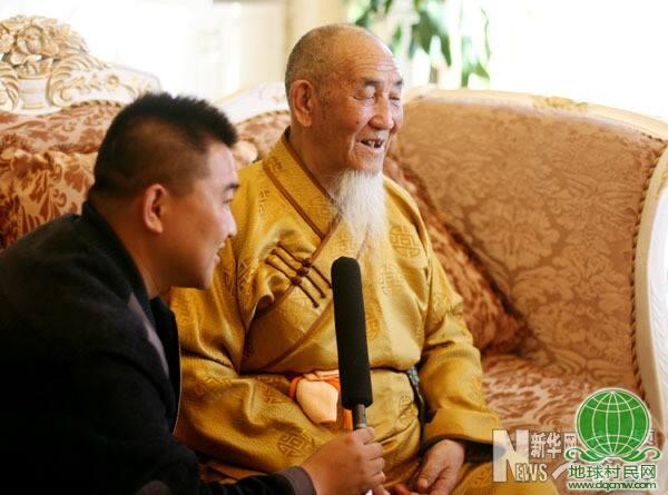 嘉木扬·图布丹:希望佛教文化能在家乡'代代相传'