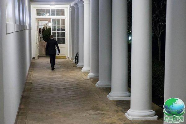 白宫记者揭秘奥巴马夜生活:工作追剧两不误,想卸任后卖T恤