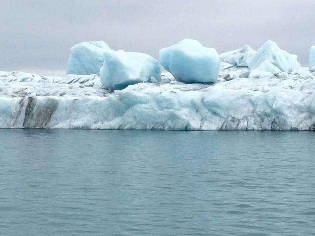 走遍地球村系列报道之三——冰岛的冰川冰山彩虹与草地