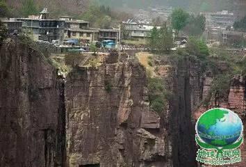 中国两大怪村,一个在天上,一个在地下